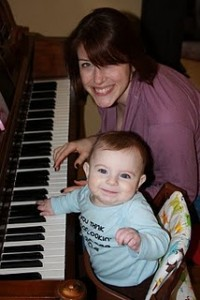 Mom-and-me-play-Piano