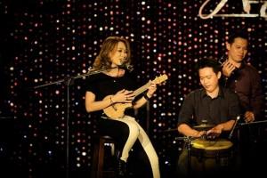 suoi-nhac-quang-trung-dan-ukulele (1)