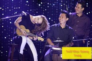suoi-nhac-quang-trung-dan-ukulele-my-tam (7)