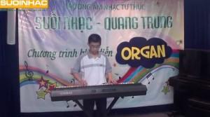 buổi biểu diễn cuối khóa đàn organ tại suối nhạc quang trung của nguyễn gia trung kiên