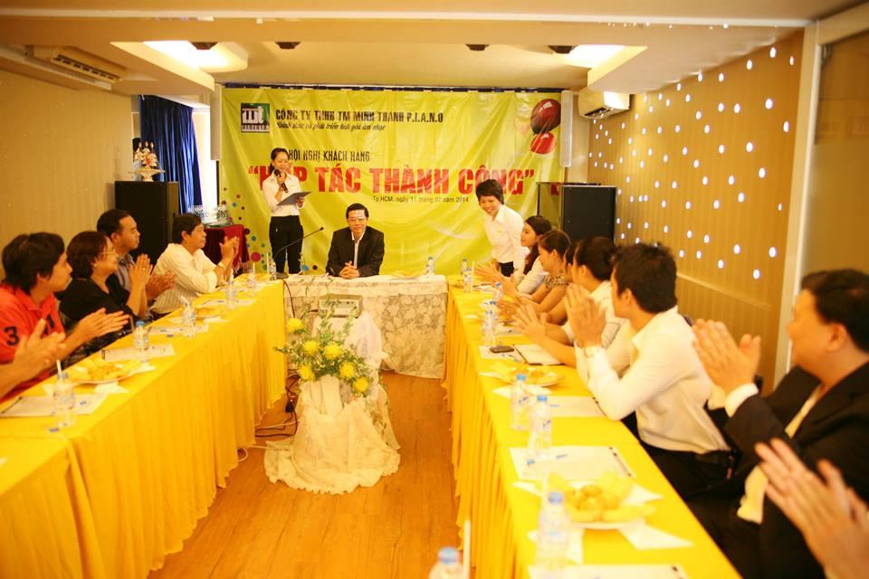 hoi nghi khach hang tai Minh Thanh Piano